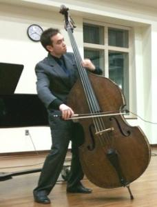 Alex Van Gils playing the Bass